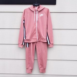 Nike sweatsuit outfit💖
